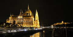 Parliament Building At Night (2)(F) (Richard Collier - Wildlife and Travel Photography) Tags: budapest parliamentbuilding buildings architecture hungary historical history