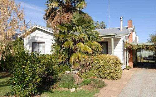 288 Sloane St, Deniliquin NSW 2710