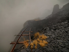 End of the line (PentlandPirate of the North) Tags: dinorwic slate quarry dinorwig gwynedd fog cloud mist snowdonia northwales railway endoftheline deadend railwy tracks abyss edge cliff endofthelinedinorwicslatequarryrailway