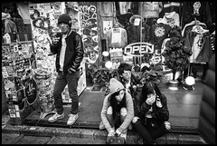Jingūmae, Shibuya-ku, Tōkyō-to (GioMagPhotographer) Tags: tōkyōto peoplegroup shibuyaku jingumae eastofthesun leicamonochrom japanproject japan streetscene tokyo tkyto