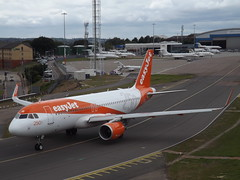OE-IJB Airbus A320-214(WL) EasyJet Europe (Aircaft @ Gloucestershire Airport By James) Tags: luton airport oeijb airbus a320214wl easyjet europe eggw james lloyds