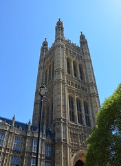 Victoria Tower above (afagen) Tags: london england uk unitedkingdom greatbritain westminster palaceofwestminster housesofparliament parliament victoriatower