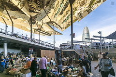 Flea Market, Barcelona (lycheng99) Tags: fleamarket market barcelona spain reflections roof modernarchitecture architecture outdoors people shopping train torreglòries building theencantsvellsfleamarket sky