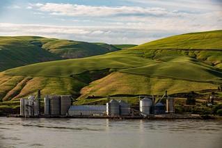 Snake River Grain Storage And Barge Port