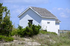 Beach House (pjpink) Tags: capelookout lighthouse grounds beach atlantic water coast coastal eastcoast crystalcoast northcarolina nc carolina may 2018 spring pjpink 2catswithcameras