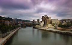 "15"" en el Guggenheim (Bilbao)... (protsalke) Tags: architecture river sunset clouds longexposure bilbao nikon colors guggenheim museum city cityscape sky museo atardecer nubes largaexposicion colores cielo ria"
