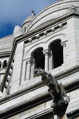 Gargouille (ben.bourdon) Tags: sacré coeur paris france ville cathédrale église religieux façade extérieur blanc ciel nuage arches gargouille