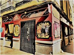 Other times. (Vera Villadoniga) Tags: veravilladóniga time málaga spain andalucía shop antiques