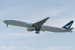Cathay Pacific Boeing 777-300 (kuni4400) Tags: cathaypacific cx cpa bhng b773 kix rjbb aircraft airplane a7m3 sel70200g