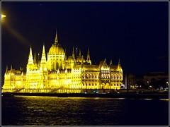 Budapest (Hungary) (sky_hlv) Tags: budapest hungría hungary europe europa danube danubio duna rio river danuberiver capital ciudad city