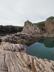 M2173396 E-M1ii 7mm iso200 f8 1_320s (Mel Stephens) Tags: coast coastal rock rocks pool rockpool landscape slains uk scotland aberdeenshire 20180617 201806 2018 q2 3x4 tall olympus mzuiko mft microfourthirds m43 714mm pro omd em1ii ii mirrorless best