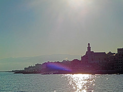 18063000932battello (coundown) Tags: genova battello porco panorama scorci barca barche navi lanterna spiagge viste boccadasse pilota pilot
