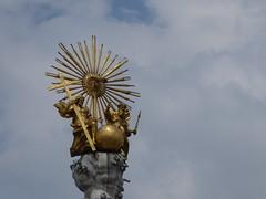 P1060046 (Elisabeth patchwork) Tags: linz austria trinity dreifaltigkeitssäule sculpture gold