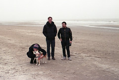 (turquoise monkey) Tags: canoneos300v canonef50mmf18 kodakgold zandfoort netherlands winter fog
