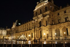 Louvre at night, 2 (Marianna Gabrielyan) Tags: louvre museum paris france night shot pyramid water building architecture canoneosdigitalrebelxti canon xti canonefs1855mmf3556