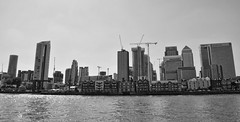 Docklands (Dun.can) Tags: river thames blackwhite monochrome city skyline londonskyline london docklands westindiadocks panorama canarywharf isleofdogs