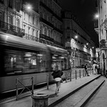 tramway-Bordeaux-by-night thumbnail