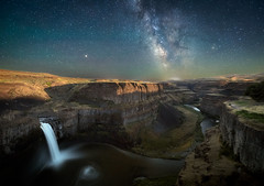 The Milky Way over Palouse Falls just as the moon is setting around 2 a.m. (diana_robinson) Tags: milkyway palousefalls moonlight nightphotography nightsky starrynight stars astronomy waterfall deepcanyon snakeriver easternwashington washingtonstate