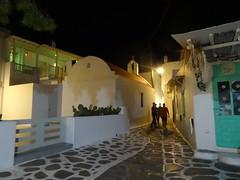 (Joan Pau Inarejos) Tags: grecia garmor despedida miconos mykonos junio vacaciones viaje noche salir party paseo fiesta callejuelas