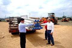 CNEL entrega postes de alumbrado en Chone (GadChoneEC) Tags: cnel electricidad manabi chone corporacionnacional regionalmanabi entrega postes alumbrado gestion gadchone municipiodechone