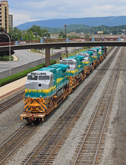 VALE Exports (GLC 392) Tags: export bb409wm ge d940bbw vale mining ns norfolk southern d940cw 9783 altoona pa pennsylvania 1302 1303 1305 1307 1309 railroad railway train general electric brazil brasil