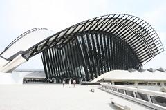 Gare SNCF, Lyon-Saint Exupery (Bill in DC) Tags: france lyon lys sncf 2006 aéroportdelyonsaintexupery tgv