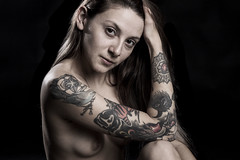 La importancia de la Luz (gisela.bonanno) Tags: desnudo artistico naked light luz blanco negro oscuridad darkness art studio estudio photo photography