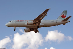 pl06oct17aca3206 (lanpie012000) Tags: montreal montréal yul cyul aircanada airbusa320211 cfdst fin207