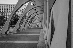 Arcs (pi3rreo) Tags: noisy france xe2 fujifilm fujinon immeuble urbain urban ville city architecture arcades abstract abstrait building noiretblanc black white