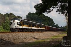 Right Light, Right Time (jwjordak) Tags: 4270 ocs train955 ns f9a tree norfolksouthern train hudson ohio unitedstates us