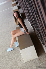 Julie (2) - Tallard - Juin 2018 (Le Rêv'elle ateur) Tags: canon eos 6d eos6d canon70200f4 paca hautesalpes tallard modèle femme woman portrait julie shooting extérieur outside basket trainers fila filadisruptor banc bench short