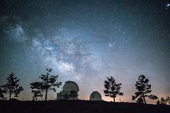 Vía Láctea en el observatorio de Calar Alto, Almería (fcojavier1991) Tags: nikon nikond3300 calar alto almería longexposure night nightphoto via lactea españa estrellas observatorio