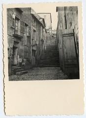 . (Kaïopai°) Tags: vintage 1940s 1940er france occupation besatzungszeit frankreich wwii ww2 treppe stairs stairway escalera sw bw escalier nevers