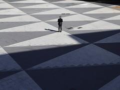 Triangulation (Alex L'aventurier,) Tags: stockholm suède sweden candid geometry géométrie ville city urbain urban homme man street rue triangles shadow ombre scandinavie scandinavia shapes patterns