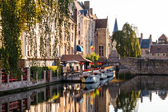 Morning in Bruges (Explored) (romanboed) Tags: leica m 240 summilux 50 europe belgium bruges canal morning light travel architecture cityscape historic