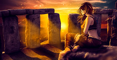 Sun healing (meriluu17) Tags: sense sunshine sunrise summer stone stonehenge stones light sun rays ray power people sitting wild soul heal