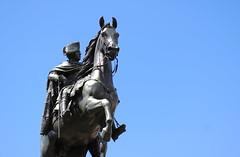 Hoch zu Ross (Binacat) Tags: canon eos 750d berlin berlinmitte color digital unterdenlinden reiterstandbild friedrichdergrose bluesky himmelblau himmel blue sky pferd horse sculpture skulptur blau boulevard riding