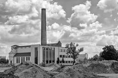 Renoviertes Kesselhaus der ehemaligen Diamalt-Fabrik in München-Allach, Bayern (Janos Kertesz) Tags: munich bayern bavaria kesselhaus diamalt münchenindustry chimney factory energy sky environment power pipe plant blue allach