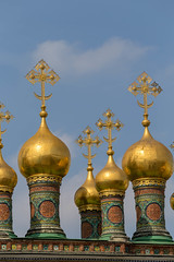 Golden domes of the Upper Saviour Cathedral at Kremlin in Moscow (marcoverch) Tags: russia weltmeisterschaft reiseblogger fussball wm moskau fifa digitalnomad travel sport reisen football wm2018 russland stpetersburg moskva ru goldendomes uppersaviourcathedral kremlin moscow religion architecture diearchitektur temple tempel reise orthodox church kirche gold noperson keineperson dome kuppel cross kreuz cathedral dom traditional traditionell sky himmel culture kultur monastery kloster building gebäude old alt ancient city stadt art kunst abandoned beer wings nikkor milkyway italia auto macromondays countryside holiday