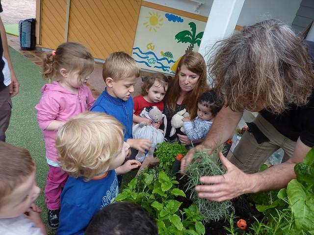 Photo 4 - Activité jardinage au multi-accueil