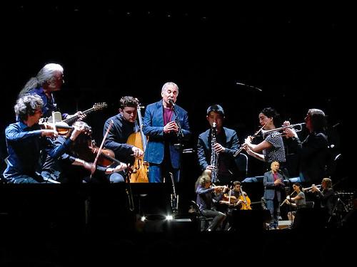 Paul Simon with band