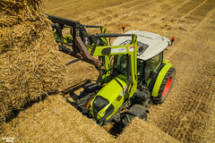 CLAAS Square Bales Team (martin_king.photo) Tags: harvest harvest2018 ernte 2018harvestseason summerwork powerfull martin king photo machines strong agricultural greatday great czechrepublic welovefarming agriculturalmachinery farm workday working modernagriculture landwirtschaft martinkingphoto moisson machine machinery field huge big sky agriculture tschechische republik power dynastyphotography lukaskralphotocz day fans work place clouds blue yellow gold golden eos country lens rural camera outdoors outdoor claasteam team posing allclaaseverything bales squarebales summer neu claasatos