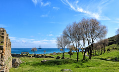 Anemurium Antik Kenti (Akcan PhotoGraphy) Tags: anamur antik ancient mersin eos760d manzara landscape deniz sea duvar wall tree ağaç bulut clouds tekne boat