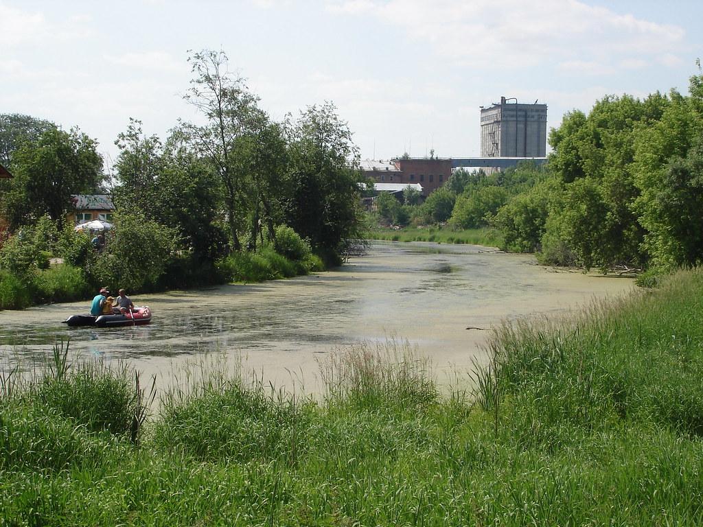 фото: Пруд, лодка и элеватор