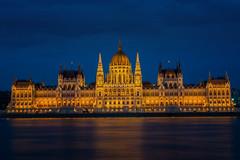 Parlament, Budapest (Jutta Achrainer) Tags: achrainerjutta budapest fe24–240mmf35–63oss sonyalpha7riii parlament nacht blauestunde ungarn