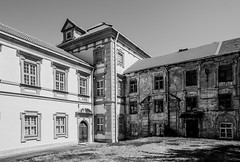 Lithuania-1-37 (Michael Yule - I Can See For Miles) Tags: vilnius oldbuildings architecture lithuania baltics northerneurope travel holidays tourism tourist blackandwhite monochrome nikond7100 outdoors