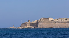 Fort Saint Elmo (Lee Rosenbaum) Tags: valletta fortisantlermu fortress water malta boat fortsaintelmo architecture building tassliema mt