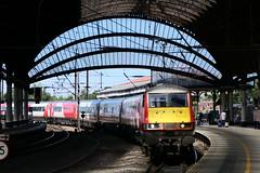 91_111-01 (Ian R. Simpson) Tags: 91111 forthefallen class91 electric locomotive loco train lner eastcoastmainline ecml 82207 drivingvantrailer dvt mk4 york yorkshire england