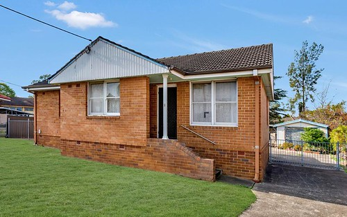 29 Hatfield Rd, Canley Heights NSW 2166