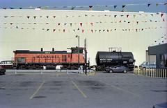 Milwaukee Road on Lakewood 4-24-86 13 (jsmatlak) Tags: chicago milwaukee road lakewood ce freight railroad train engine switcher street trackage industrial